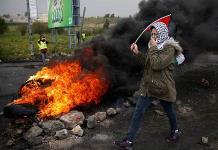 Miles de personas marchan en Gaza