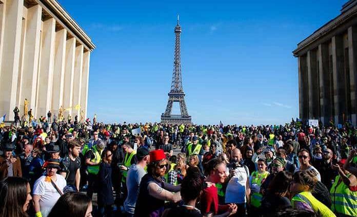Sigue la resistencia en Francia