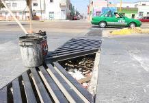 Alertan de peligroso agujero en colector pluvial Reforma