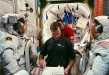 La nueva cápsula espacial de Boeing enfrenta más retrasos