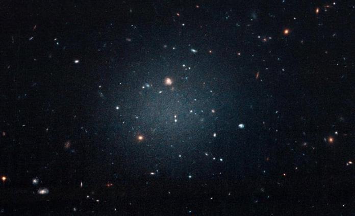Hallan segunda galaxia casi sin materia oscura