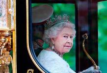La reina Isabel visita a Meghan y Harry en su nueva casa