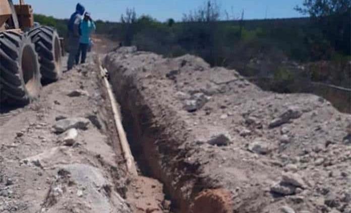 Construyen acueducto y una pileta