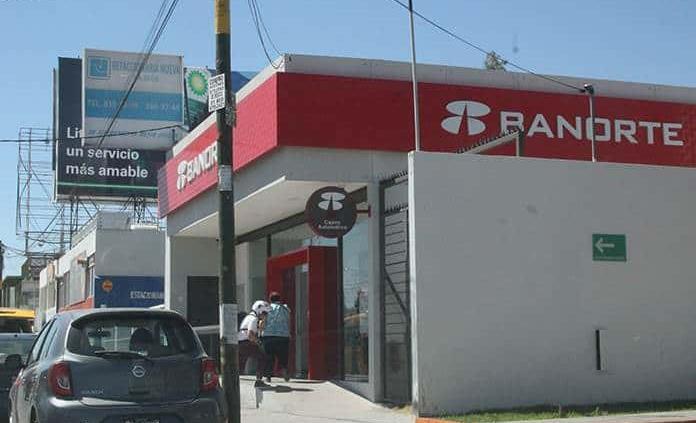 Mayoría de mexicanos sólo usa sus cuentas bancarias para retirar efectivo