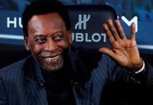 Pelé, nuevamente hospitalizado a su llegada a Brasil