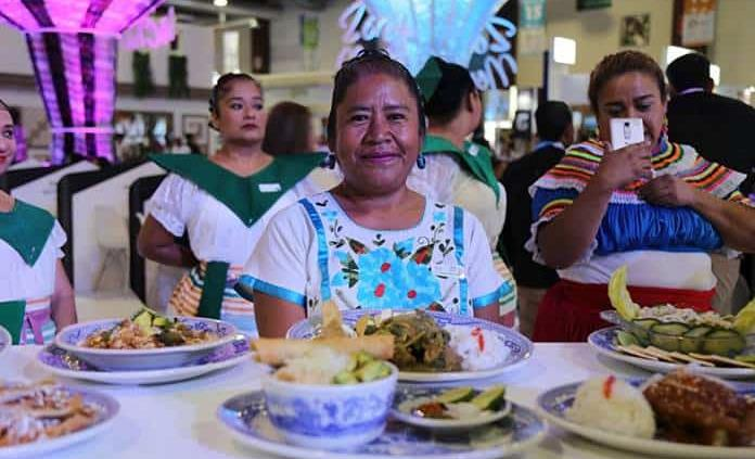 Cocineras tradicionales participan en Festival de la Comida Guerrerense