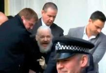 PERFIL: Julian Assange, el controvertido hacker fundador de WikiLeaks