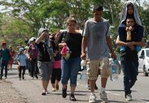 Caravana ingresó a México de forma violenta, según Inami