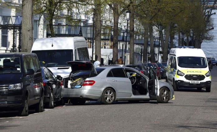 Dispara policía a presunto atacante de embajadora ucraniana en Londres
