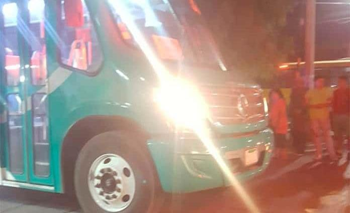 Camión  atropella a jovencita en Av. Salk