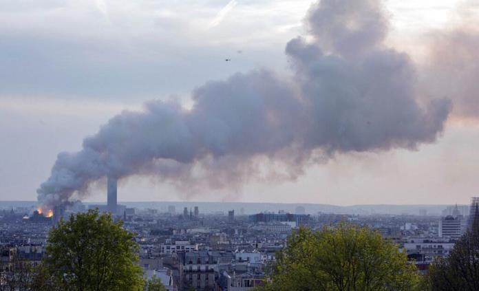 El mundo llora y siente dolor por Notre Dame