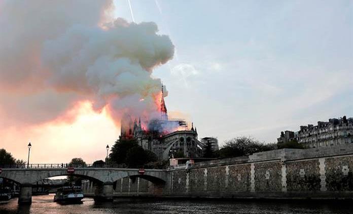 Sin registro de mexicanos afectados por incendio en Notre Dame: embajada