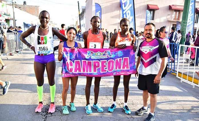 Acapararon keniatas la carrera de la Enchilada