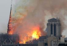 Trump sugiere emplear aviones para apagar el incendio en Notre Dame