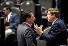 Chocan PAN y Morena por la reforma laboral