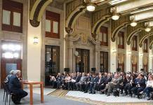 Gabinete federal ajusta su salario a 107 mil pesos mensuales netos
