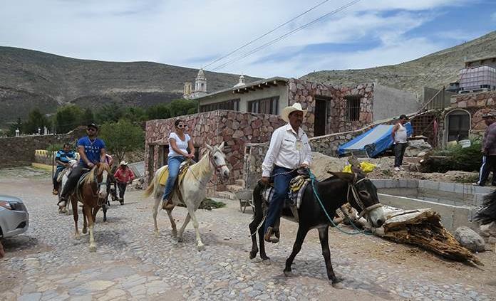 Paseos a caballo, un gran atractivo de Real de Catorce
