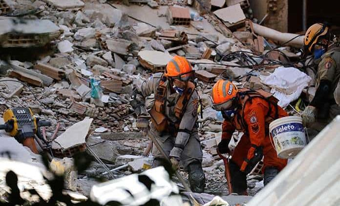 Suman ya nueve muertos por derrumbe en Brasil