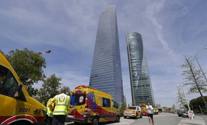 Desalojan rascacielos en Madrid por falsa amenaza de bomba