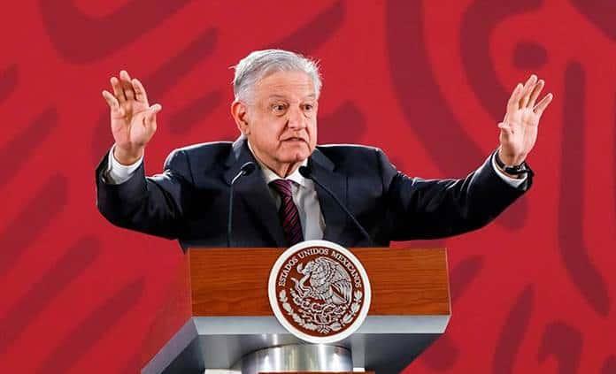 López Obrador reta a oposición a llevar el memorándum educativo a tribunales
