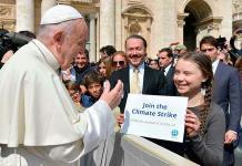 Joven activista sueca lleva al Vaticano su lucha contra el cambio climático