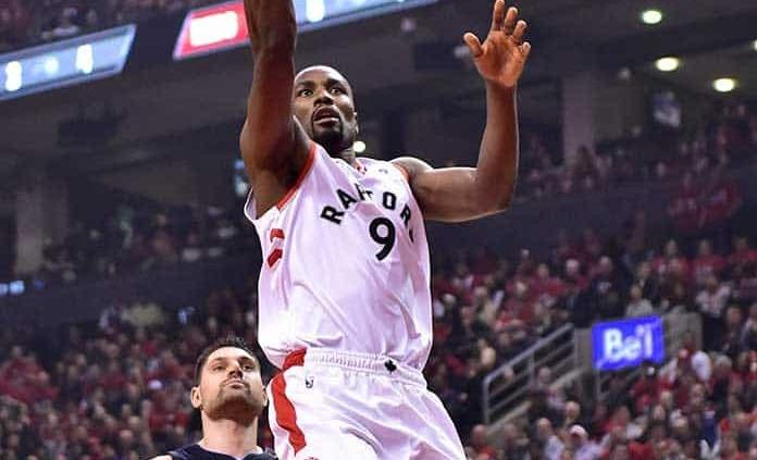 Con 37 puntos de Kawhi Leonard, Raptors arrollan a Magic 111-82
