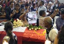 Militantes velan restos de Alan García