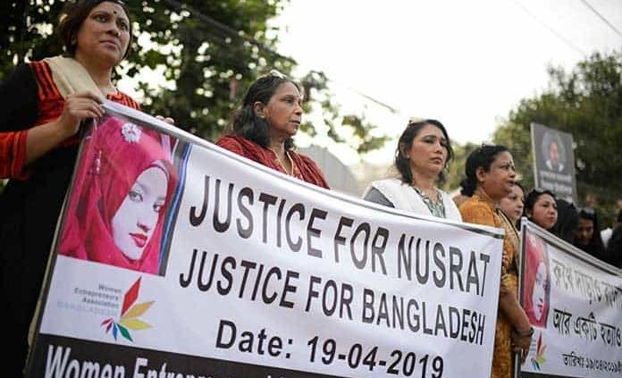 Queman a estudiante viva por denunciar acoso sexual en Bangladesh