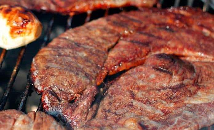 Cómo hacer carne a la parrilla en casa