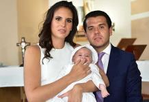 Daniela Torres de la Fuente recibe sacramento del bautismo