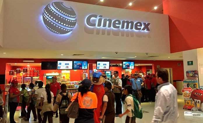Cinemex en línea cierra para cines en CDMX; solo hay boletos para autocinema