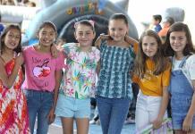 Celebran a los niños en el Colegio Motolonía