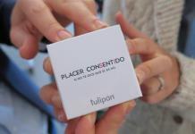 El preservativo que se abre con cuatro manos para fomentar el consentimiento