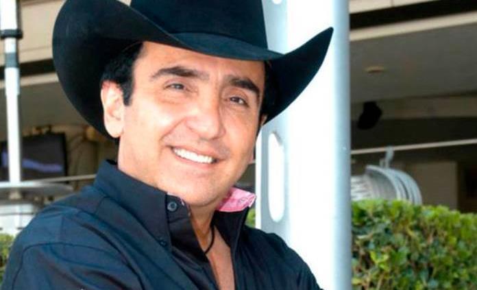 Hospitalizan a Vicente Fernández Jr. tras atragantarse con un trozo de  carne y le detectan Covid-
