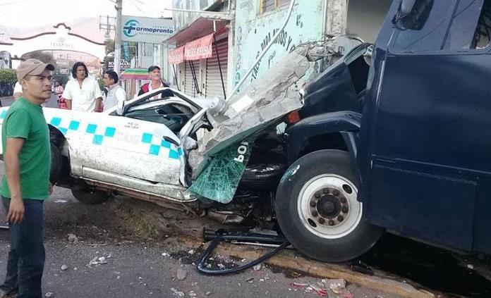 Accidente deja dos policías muertos