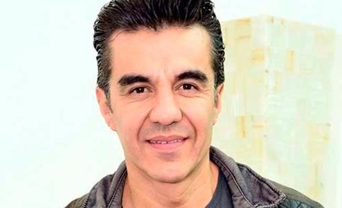 Rayo golpea avión donde viajaba Adrián Uribe