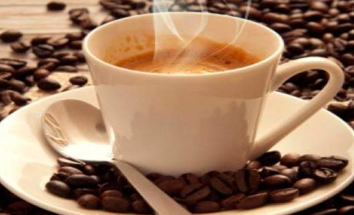 Beber más de 6 tazas de café diarias, podría ser perjudicial