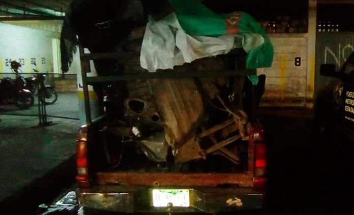 Arrestan a 4 sujetos con taxi desvalijado