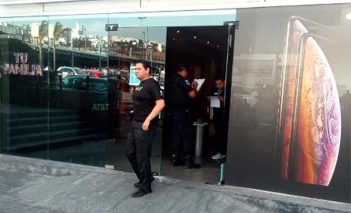 Millonario asalto a una tienda de telefonía celular