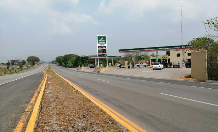 Violento robo en gasolinera de Valles