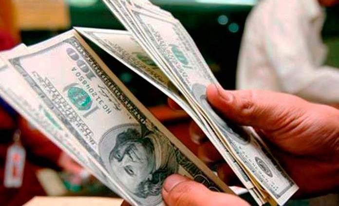 Dólar inicia sesión con ligero avance, se vende en $19.45 en bancos