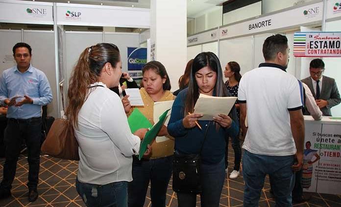Se ofertaron cerca de mil vacantes en Feria del Empleo