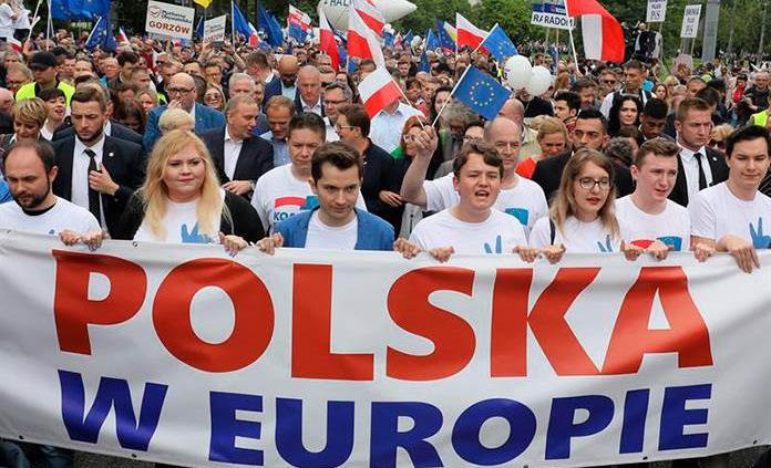 Presidente de la UE encabeza marcha en Polonia para reivindicar valores europeos