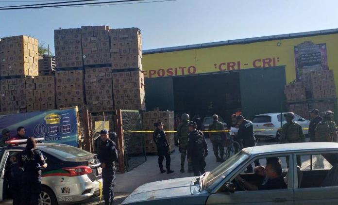 Asesinan a balazos a presunto asaltante en depósito de cerveza