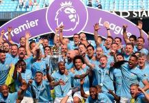 Destrozan trofeo de la Premier en festejos del Manchester City