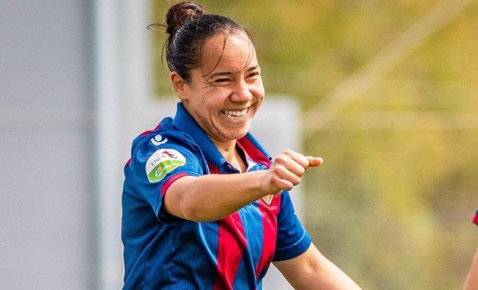 La goleadora mexicana Charlyn Corral se va del Levante