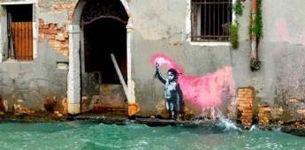 Banksy reconoce autoría del dibujo del niño inmigrante en Venecia