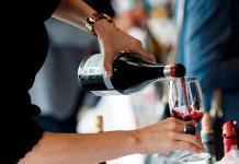 Beneficios de tomar vino tinto en las noches