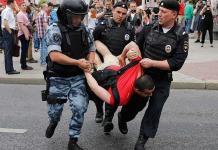 Unos 400 detenidos en marcha rusa