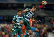 Santos Laguna renueva contrato con Julio Furch